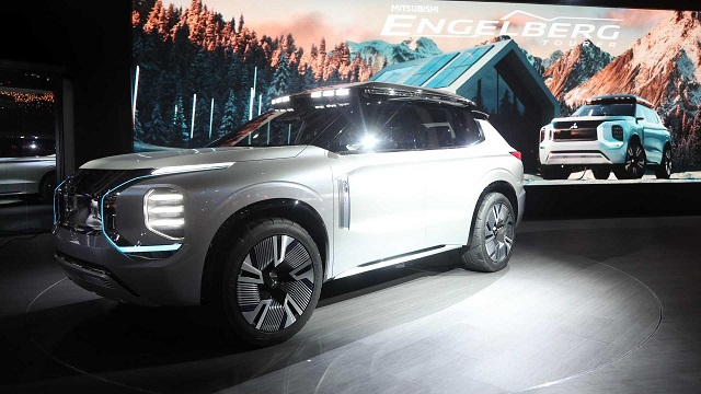 2021 Mitsubishi Outlander engelberg tourer concept