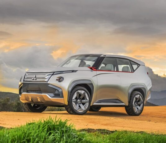 2022 Mitsubishi Pajero three-door