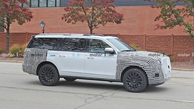 2022 Lincoln Navigator hybrid