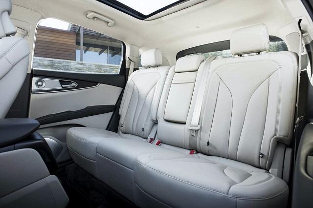 2022 Lincoln Nautilus interior
