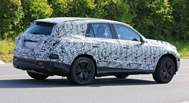 2022 Mercedes GLC spy photos