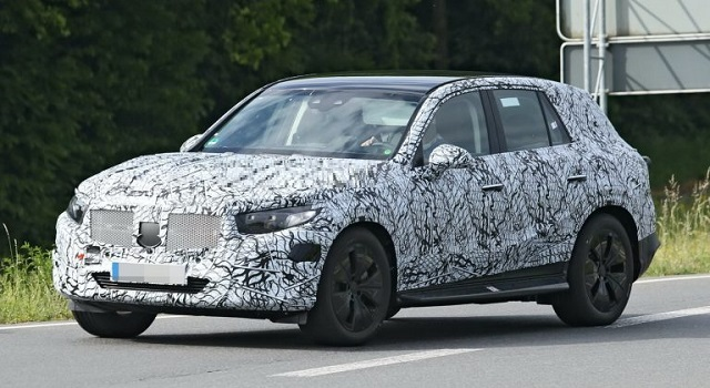 2022 Mercedes GLC spy shots