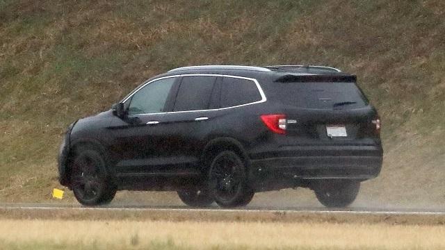 2023 Honda Pilot spy photos