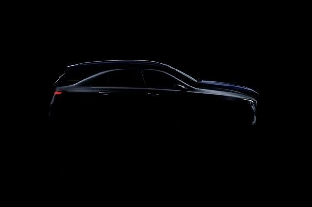 2022 Mercedes-Benz GLC teaser