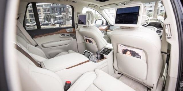 2023 Volvo XC100 interior